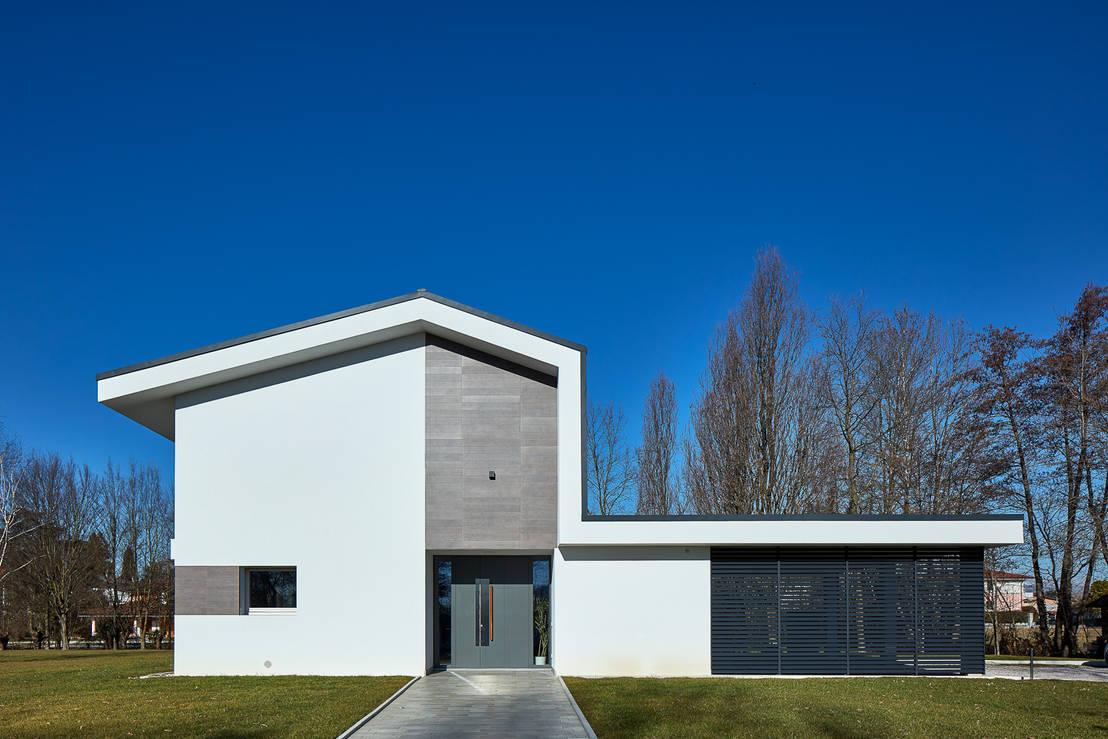 Un 39 abitazione moderna sorprendente for Abitazione moderna