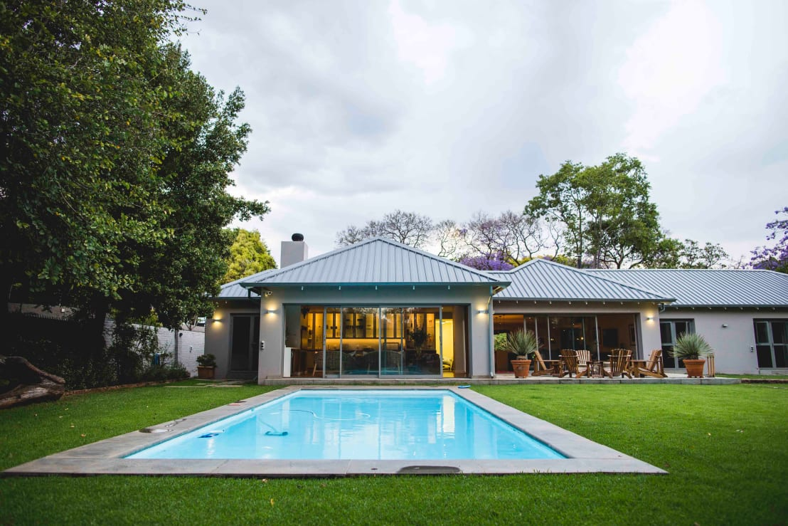 How much does it cost to build a pool in south africa for Pool house building costs