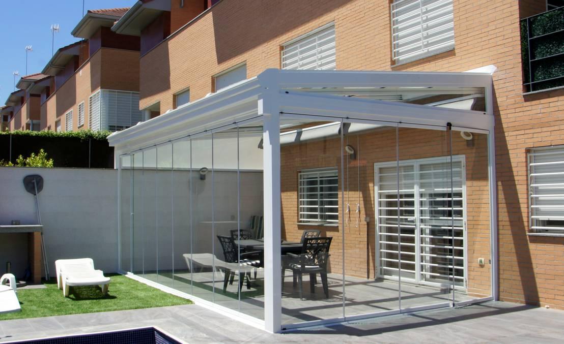 Techos corredizos la mejor alternativa para cerrar el patio for Luces de exterior para terrazas