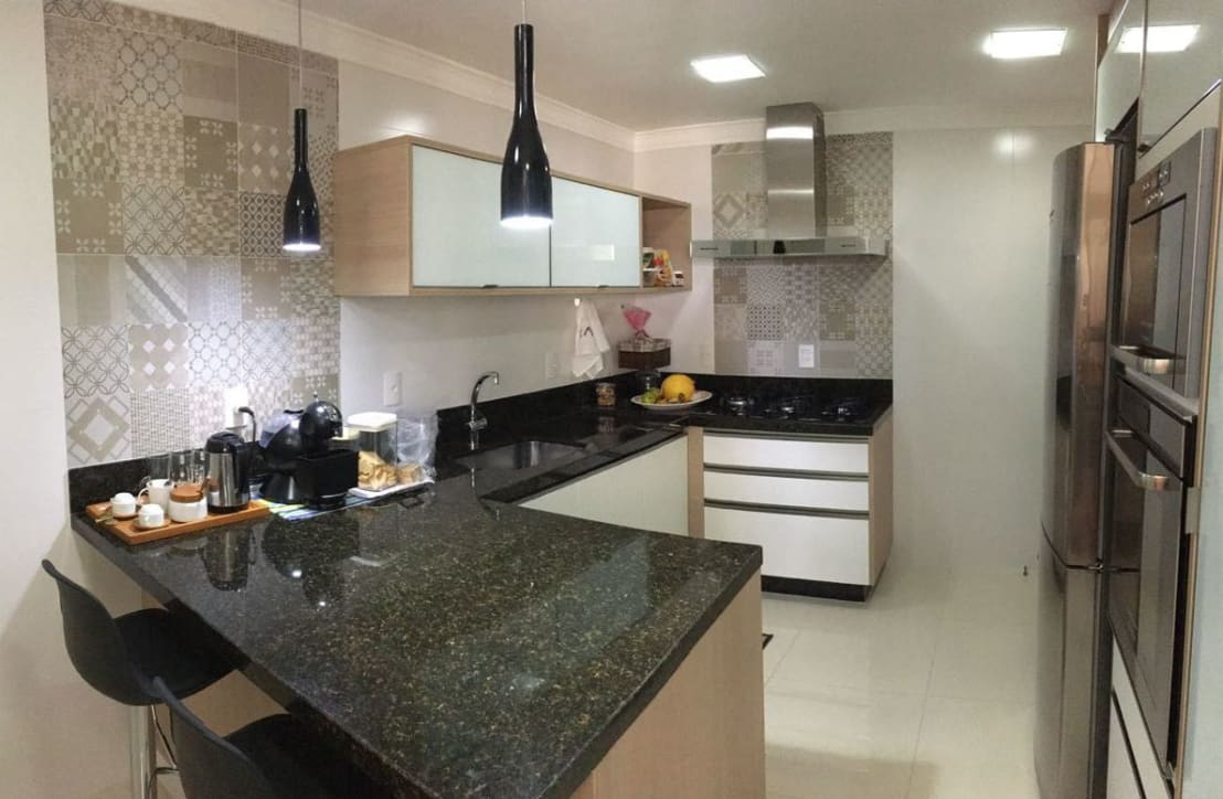 Cozinha Moderna e Funcional por Camila Danubia Arquitetura