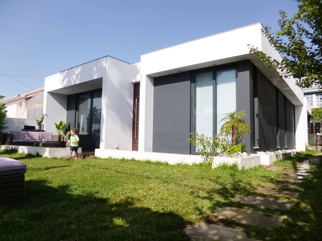 Casa moderna t rrea tem simplicidade por fora e muito conforto for Casa moderna por fuera