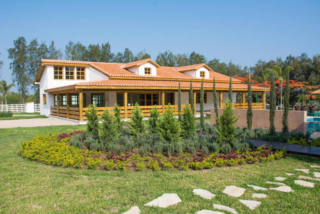 Algunas de nuestras construcciones realizadas de grupo for Constructor de casas