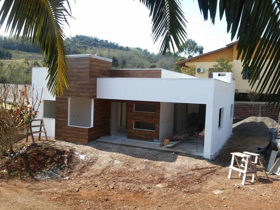 Casa simples e moderna por lana claudia kunz arquitetura for Casas modernas simples
