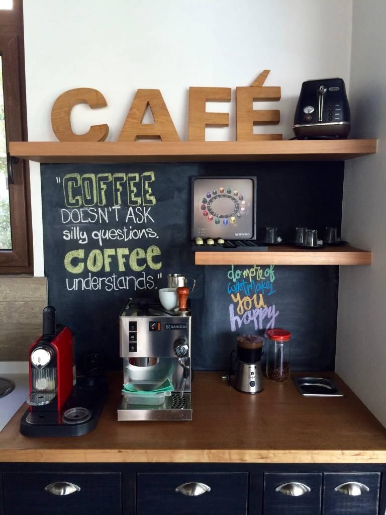 Mueble para el cafe de pichara rios arquitectos homify for Muebles para cafeteria precios