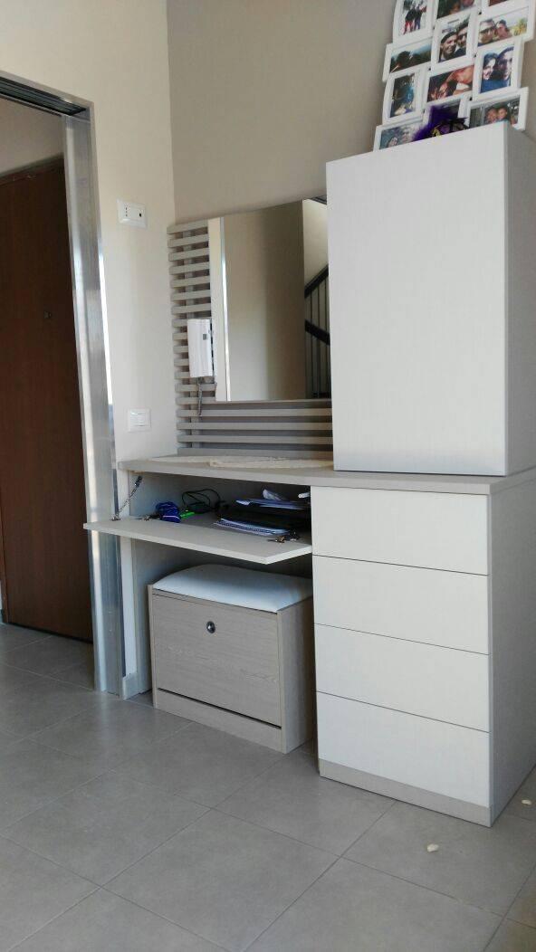 Pensili Per Camera Da Letto camera da letto design moderno di percorsoarredo | homify
