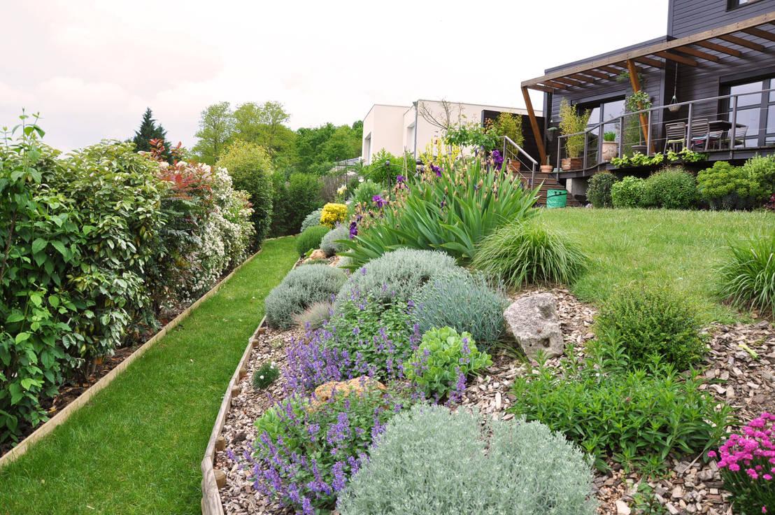 jardin en essonne un jardin romantique l 39 anglaise par. Black Bedroom Furniture Sets. Home Design Ideas