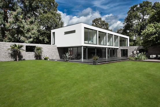 Une incroyable maison en l vitation - Incroyable maison monolithique en suisse ...