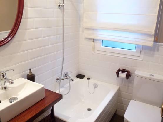 f nf ideen die das badezimmer gr er wirken lassen. Black Bedroom Furniture Sets. Home Design Ideas