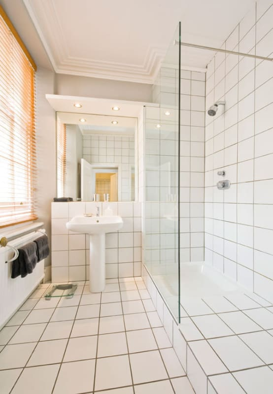 6 ways to make your small bathroom look BIGGER | homify