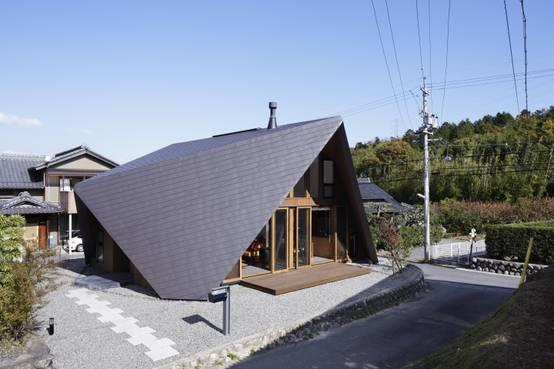 屋根空間までめいっぱい使った家5軒!