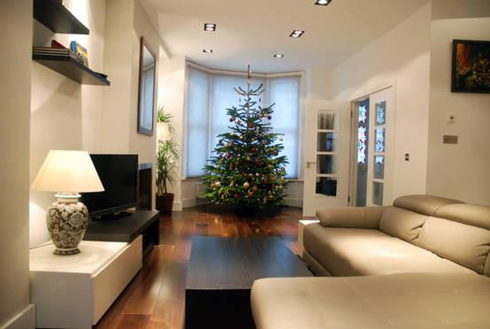 den weihnachtsbaum modern schm cken. Black Bedroom Furniture Sets. Home Design Ideas
