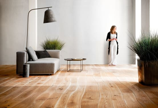 6 verhelderende idee n voor een kamer zonder ramen - Scheiden een kamer door een gordijn ...