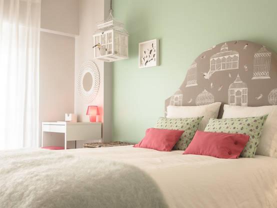wie kann ich mein schlafzimmer romantisch gestalten. Black Bedroom Furniture Sets. Home Design Ideas