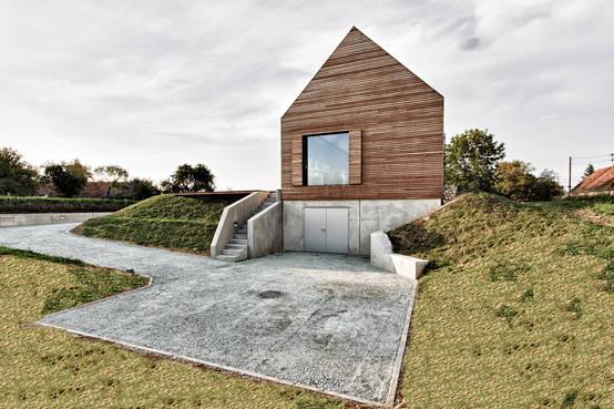 Traumhaus aus holz mit linearem design for Traumhaus aus holz