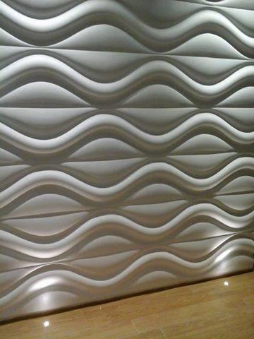 Wellen schlagende Wände
