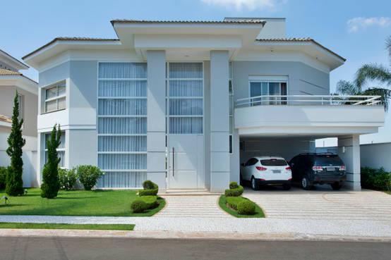Una casa con pilares fant stica - Fotos de casas en forma de l ...