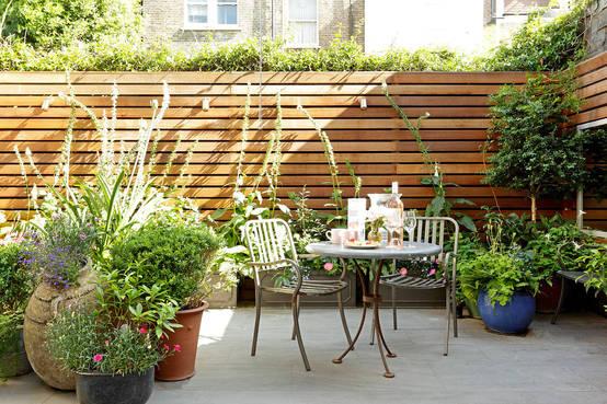 Jardines y patios peque os 7 ideas encantadoras for Jardines chicos modernos