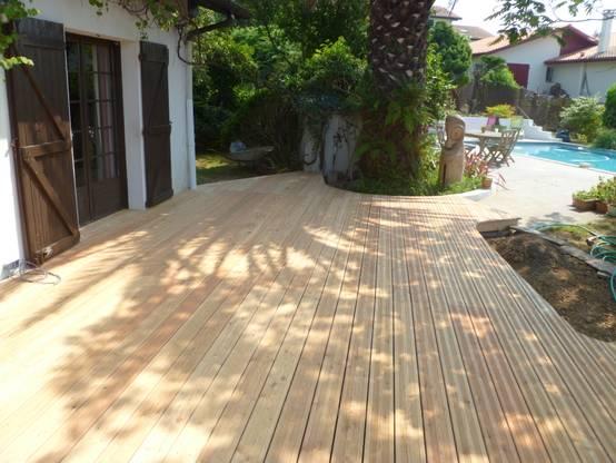 5 Pasos para construir una terraza de madera en el patio