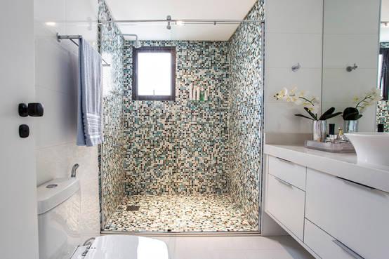 Coole fliesen designs f r kleine badezimmer for Kacheln badezimmer