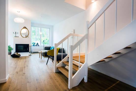Jak samemu odnowić drewniane schody? -> Kuchnia Tapeta Czy Farba