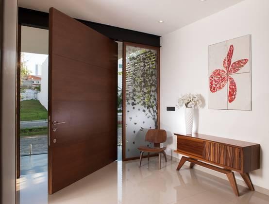 15 Vastu Ideas For The Main Door