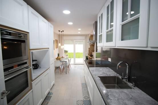 Cuando la encimera define la cocina - Cocinas blancas clasicas ...