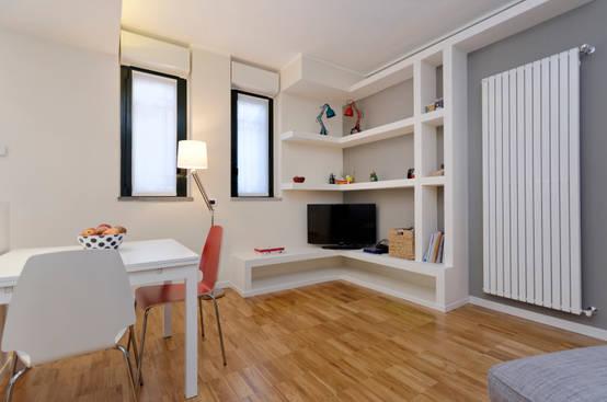 Come ricavare una zona pranzo in poco spazio for Parete soggiorno ad angolo