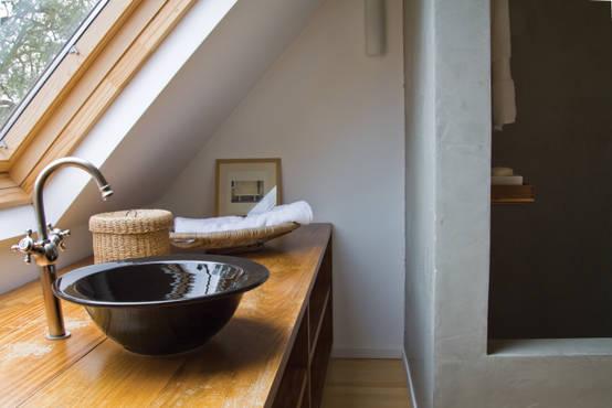 Ba os peque os m xima creatividad en poco espacio for Diseno de banos pequenos debajo de escaleras