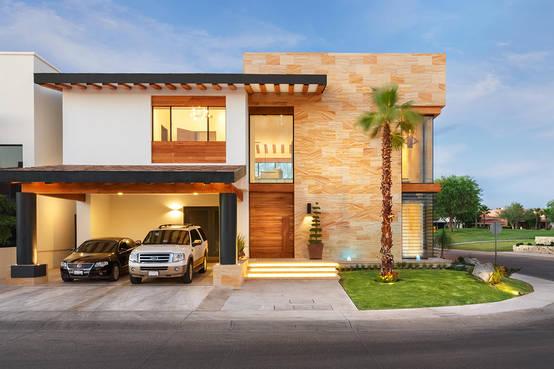 7 fant sticas ideas para renovar tu fachada for Fachada de casas modernas con vidrio
