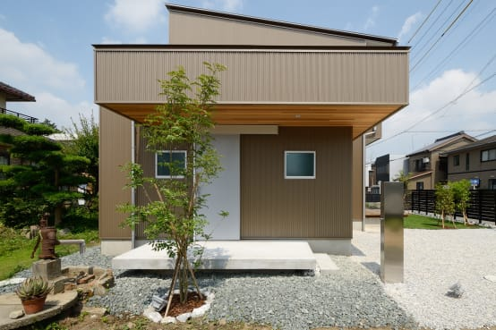 A gorgeous but miniature Japanese home