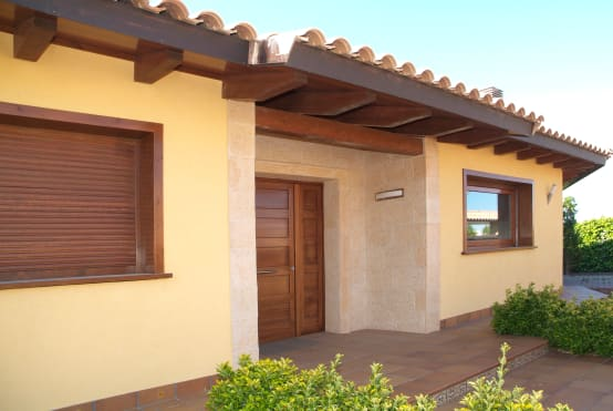Una casa semplice ma perfetta allo stesso tempo for Foto di case in stile spagnolo