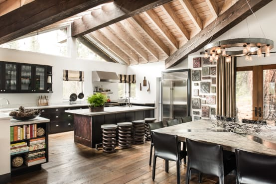 Interiores incr veis em plena floresta for Cocinas integradas al living