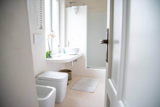 10 idee per un pavimento in un piccolo bagno - Bagno casa al mare ...