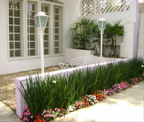7 ideias para plantar um jardim na frente de casa for Decorar jardin pequeno frente casa