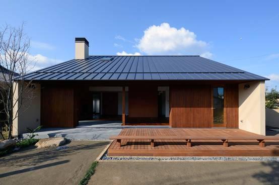 Hermosa casa de concreto y madera - Casas de cemento y madera ...