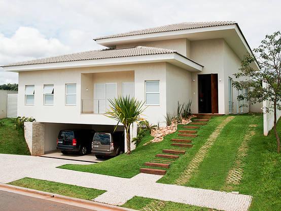 Una casa moderna llena de comodidades for Ambientes de una casa moderna