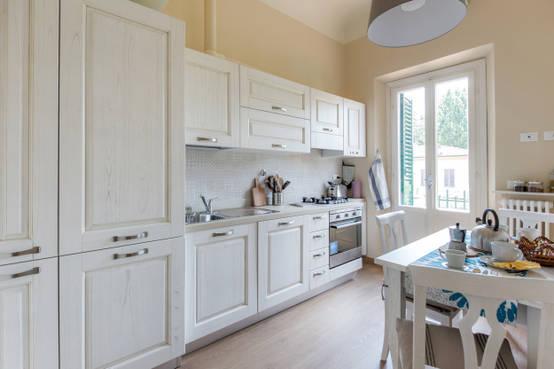 46 cucine a parete ideali per chi ha poco spazio - Cucina in poco spazio ...