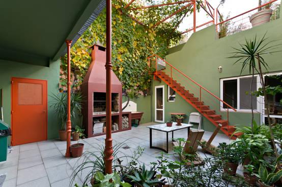 6 patios internos perfectos para recibir la primavera for Cerramientos para patios internos