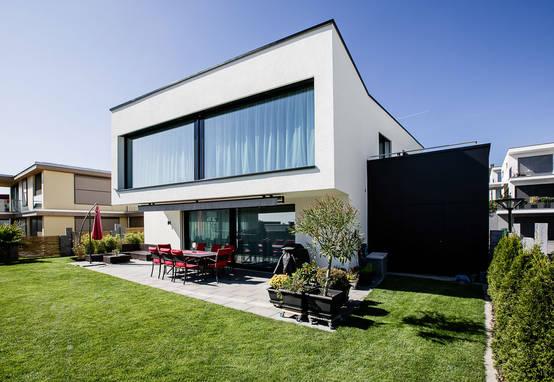 Modern droomhuis met een bijzondere wijnkelder..