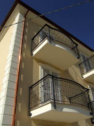 Spese per i balconi nel condominio chi paga - Cucina balcone condominio ...