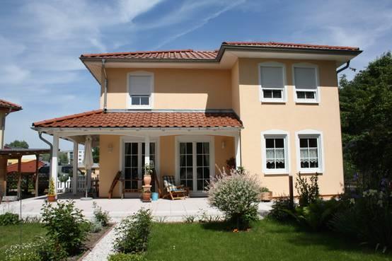 5 case a due piani planimetrie a cui ispirarti for Piani di casa in stile country texas