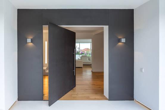 20 puertas de entrada modernas y fabulosas for Puertas de entrada modernas