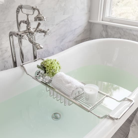 Style for the bathroom: fast, simple, and inexpensive
