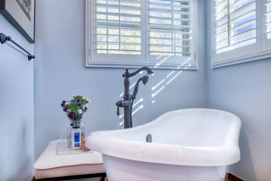 10 considerations when buying a new bathtub | homify