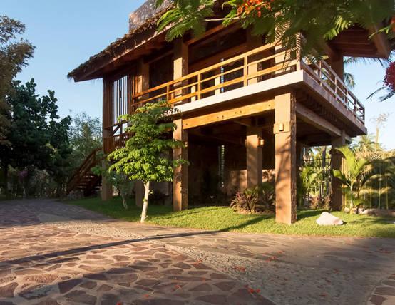 7 Desain Rumah Panggung Untuk Daerah Langganan Banjir Homify