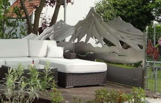 sch ne gartenz une tore und sichtschutz aus edelstahl home sweet home. Black Bedroom Furniture Sets. Home Design Ideas