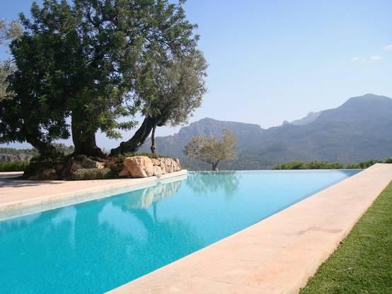 Spectacular swimming pool designs