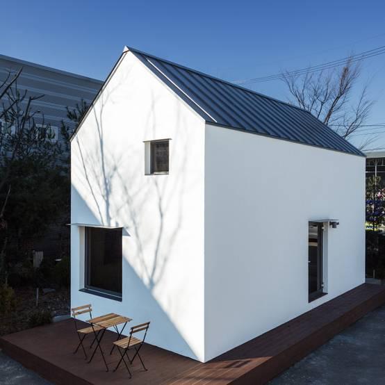 A Cozy Minimalist Prefab Home