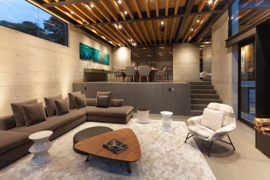 15 dise os de salas modernas con pisos en desnivel for Sala de estar hundida