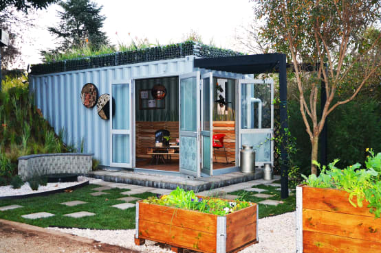 The smart and affordable johannesburg container home for Smart house container